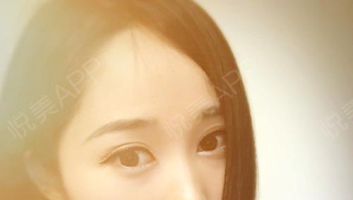 每天画眉挺麻烦的,而且还总是画的不满意,所以我去做了韩式半永久眉,今天是纹完眉毛的第八天了,结痂已经全掉光了,过一段时间...