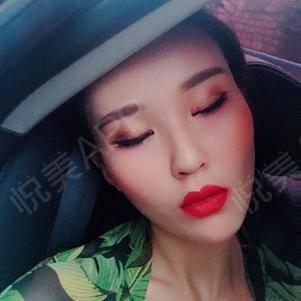 朋友说我这次的妆容有点像中国版的杜鹃,真的是有点受宠若惊呢!我觉得杜鹃的美是那种清秀端正的美,或许是心理作用吧,现在走在...