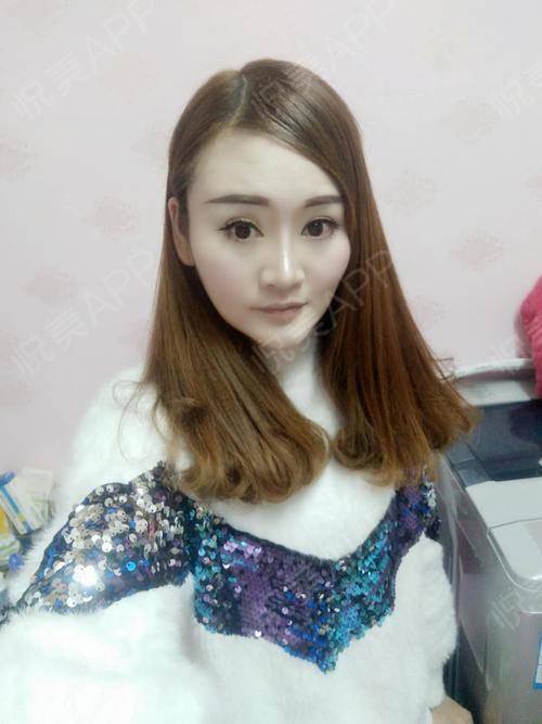 在家过完了春节,好依依不舍啊,又来到了上海开始新的一年的工作了,希望今年可以好好奋斗,完成心愿了现在脸部的整体皮肤有变好...