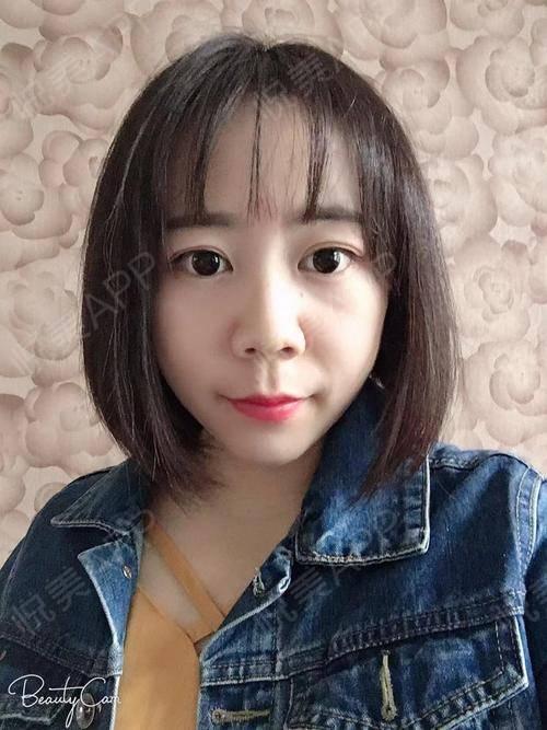 大姐姐又来给你们分享啦。最近没有太仔细的观察头发,突然间发现头发变密了很多,昨天有去华山医院帮忙录制一个宣传的视频,看到...