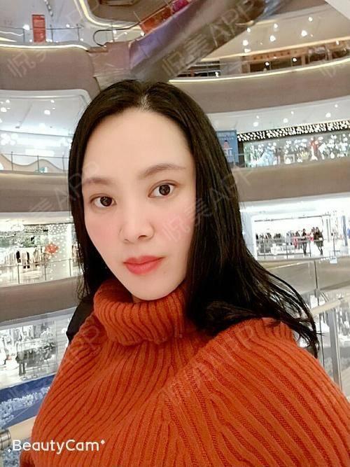 半个月终于得空出来逛街。天津的商场不仅能买衣服还有很多好玩的。每次逛街也不是一定要买衣服,就到处看看就很有趣。一边逛一边...