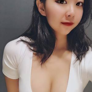 美贝尔   假体隆胸