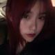 我突然想染发了,于是我染了个酒红色,怎么样,是不是还不错?真的很酷耶,看来效果不错。最后两张图是我突...